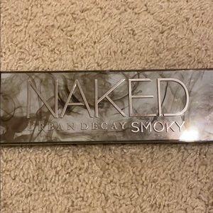 Naked Smoky pallete